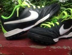 Zapatilla De Futbol Nike Niño, usado segunda mano  Chile