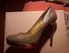 a215e791 Zapatos de charol burdeo taco chino Via Uno Numero 38 Nuevos ...