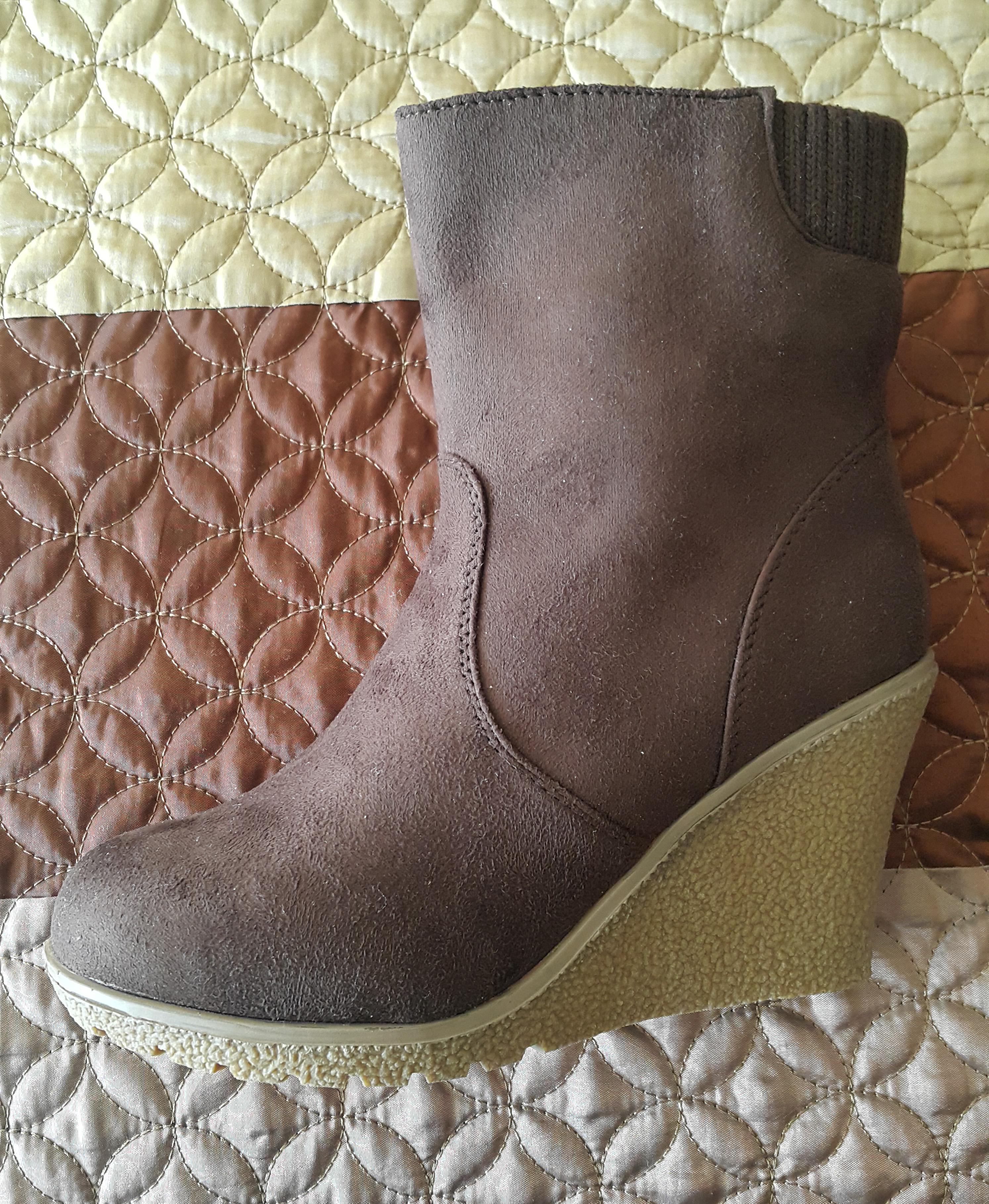 891ce01e Hermosas botas cortas, marca MARQUIS. Sin uso. Talla 35, con forro de  chiporro. Color café oscuro. Están en su embalaje original.