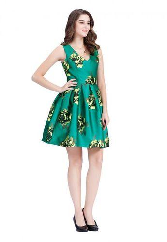Eshops Chile Vestido Corte Princesa Estampado Verde Nicopoly